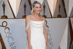 90th oscars 18 - Margot Robbie