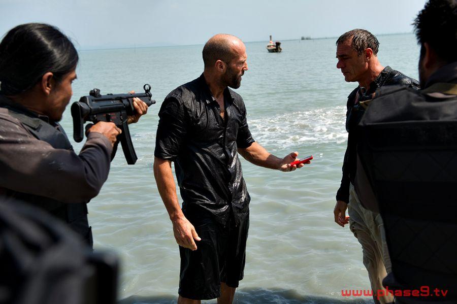 Mechanic: Resurrection - Jason Statham and John Cenatiempo