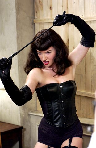 Notorious-Bettie-Page-02