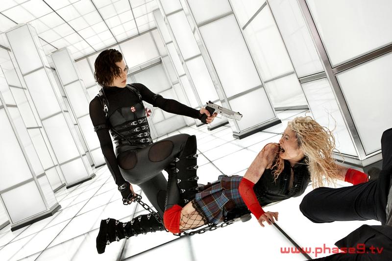 01-Resident-Evil-Retribution