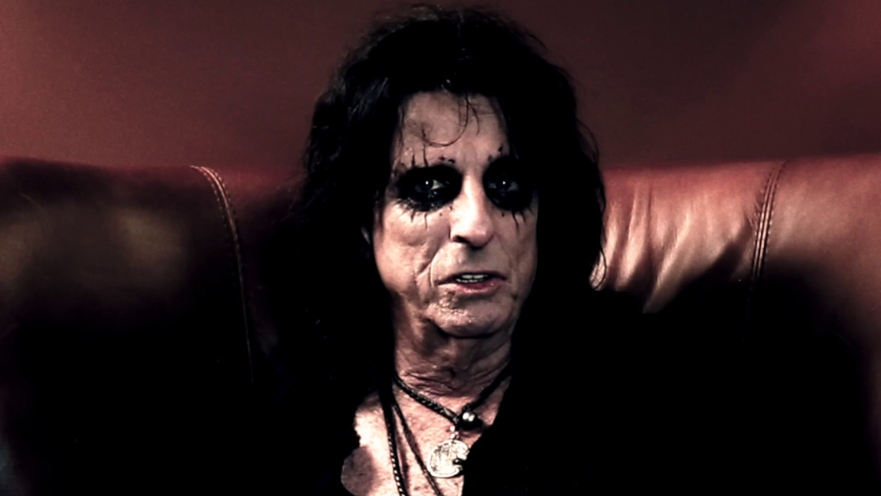 "Alice Cooper – ""Paranormal"" Rapid Fire Interview Part 1"