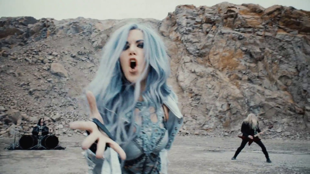 ARCH ENEMY – The Eagle Flies Alone