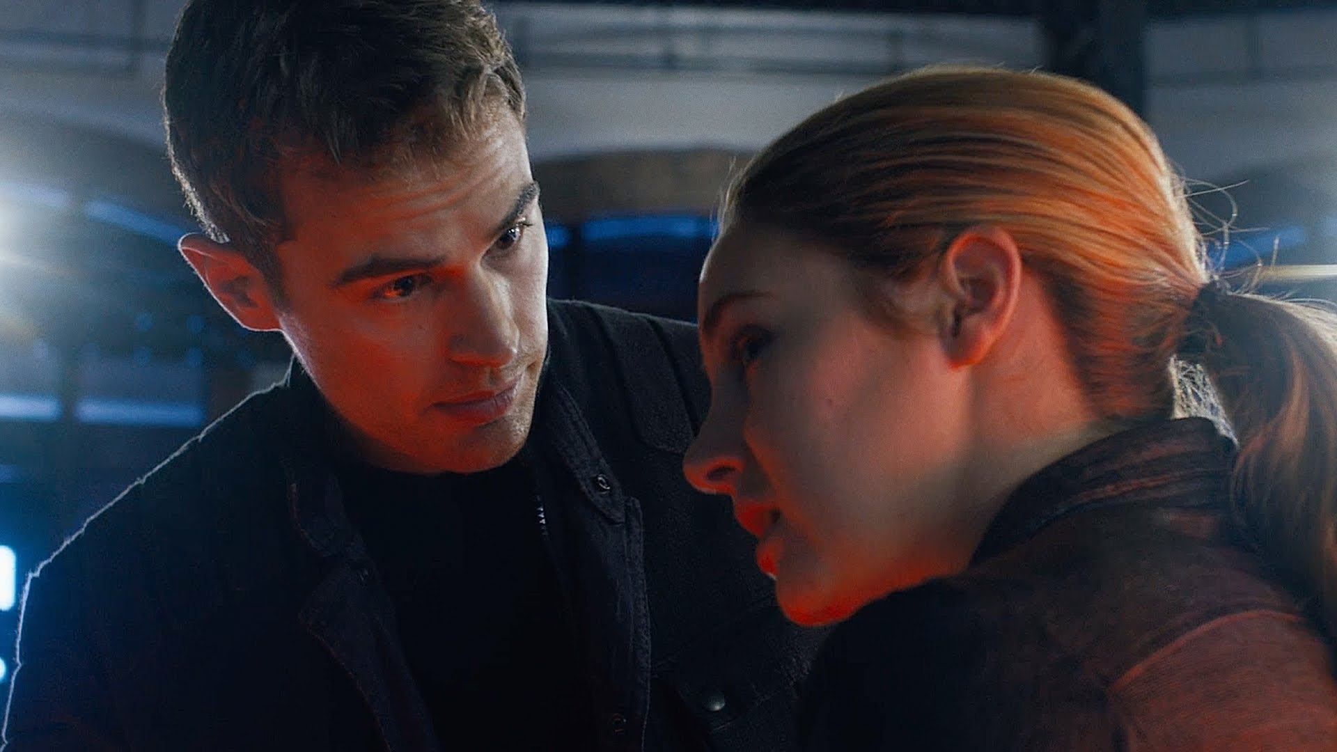DIVERGENT Official First Look