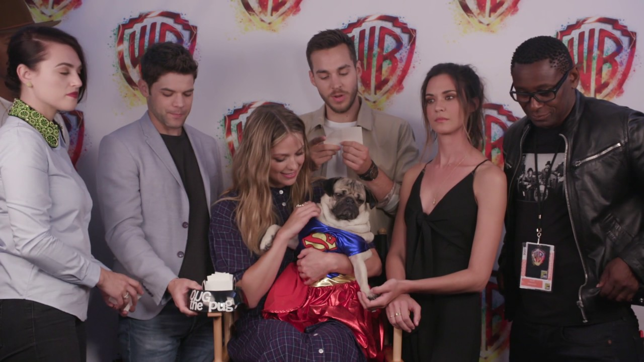 Interviews SUPERGIRL cast at Comic-Con 2017