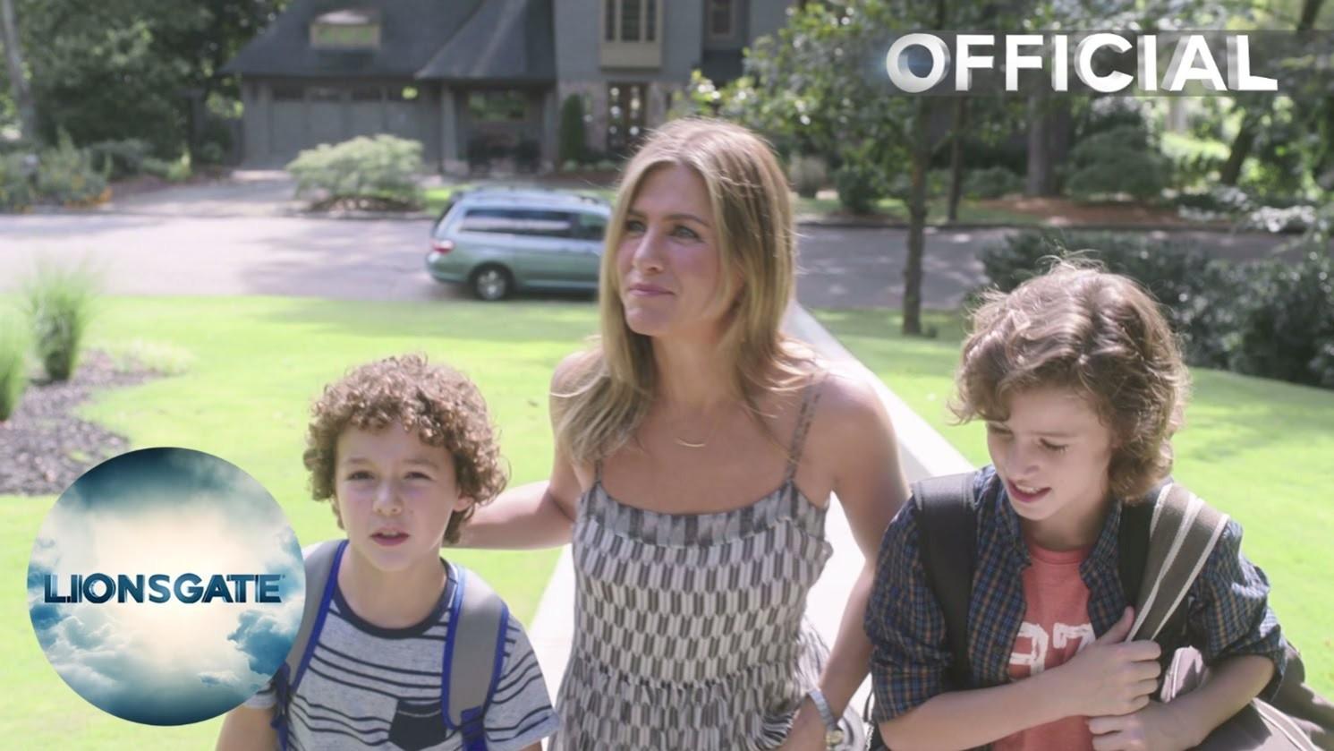 Mother's Day – Official UK Trailer – In Cinemas June 10 2016