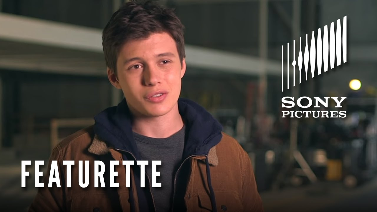The 5th Wave Featurette: Meet Zombie