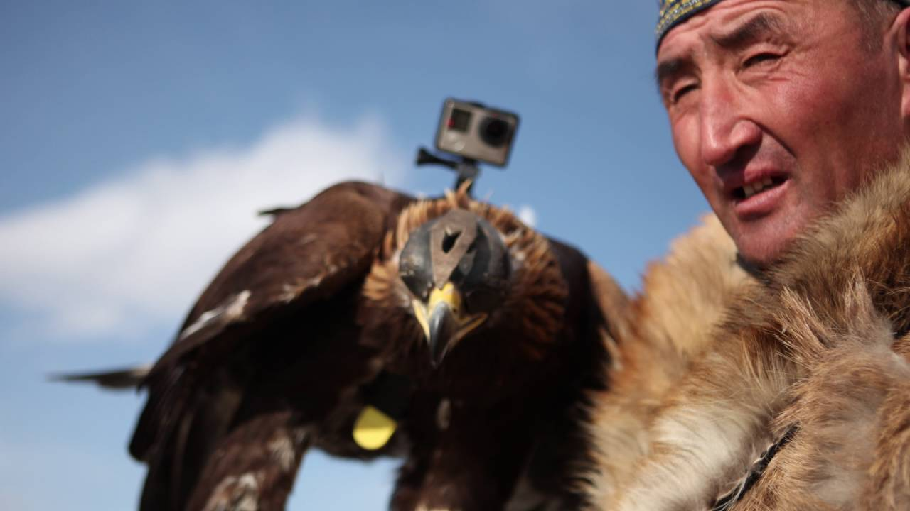 The Eagle Huntress – Soaring Cinematography Featurette